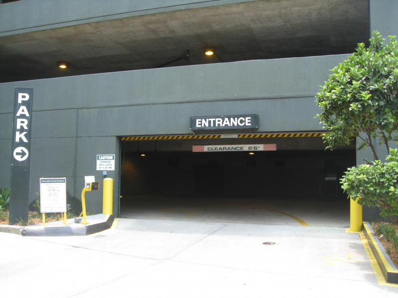 Platinum parking at 1615 poydras st new orleans parking for Parking at mercedes benz superdome