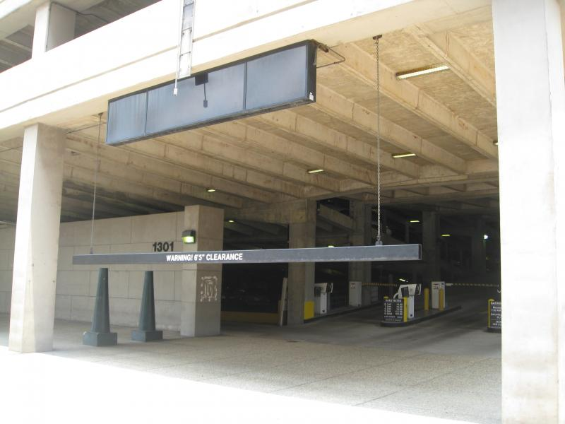 Platinum parking at 1301 girod st new orleans parking for Parking at mercedes benz superdome