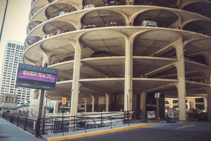 Kinzie Hotel Chicago Parking